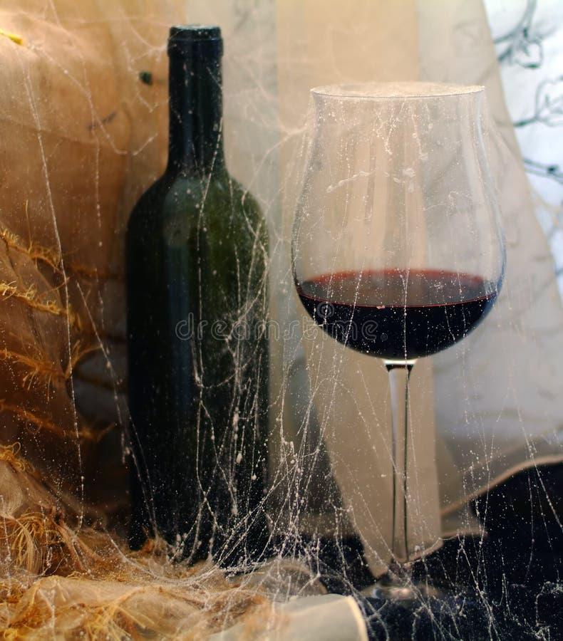 Vetro con un vino fotografia stock