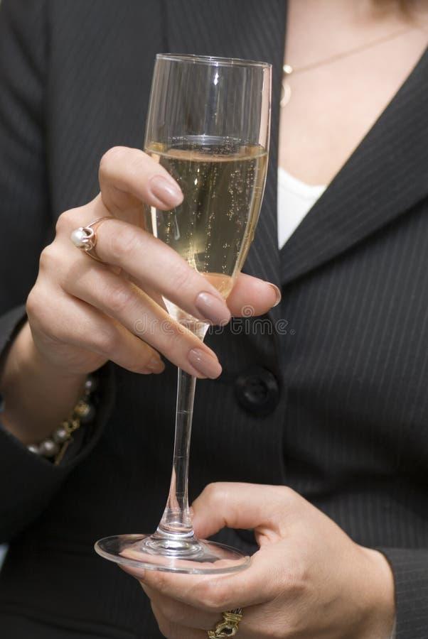 Vetro con vino bianco fotografie stock libere da diritti