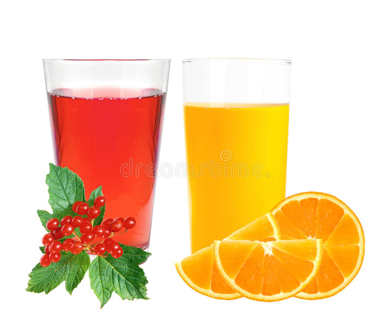 Vetro delle bacche succo e succo d'arancia del ribes isolati immagine stock libera da diritti