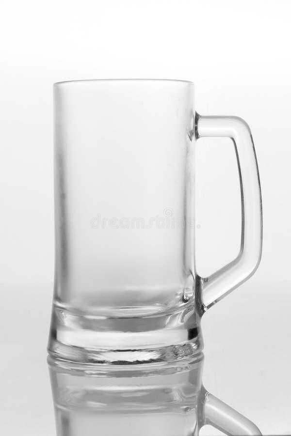 Vetro di birra vuoto fotografie stock