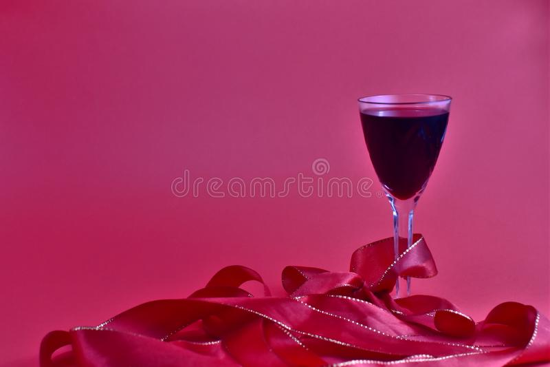 Vetro di festa di vino rosso fotografia stock