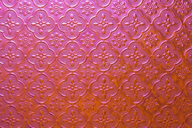 Download Vetro Di Modello Rosso Nello Stile Classico Fotografia Stock - Immagine di arte, architettura: 56885592