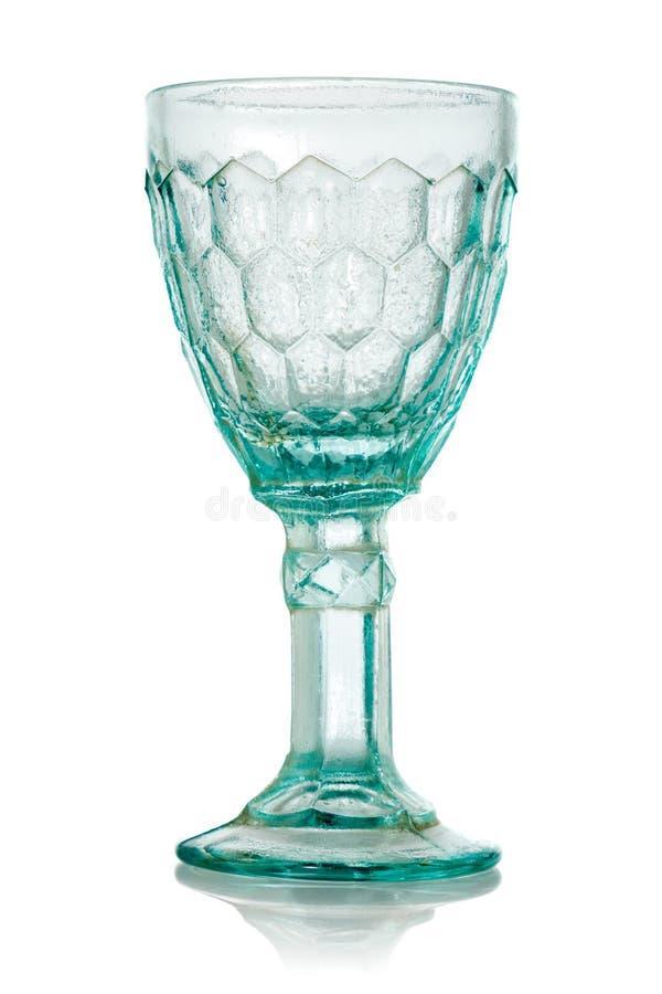 Vetro di vino blu con il modello di cristallo fotografie stock
