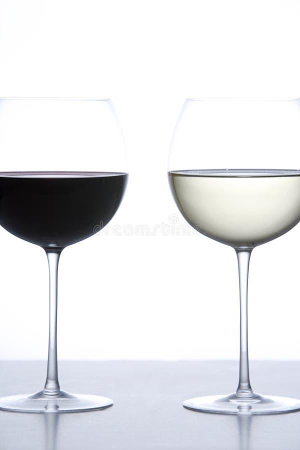 Vetro Di Vino Rosso E Di Vino Bianco Fotografia Stock Gratis