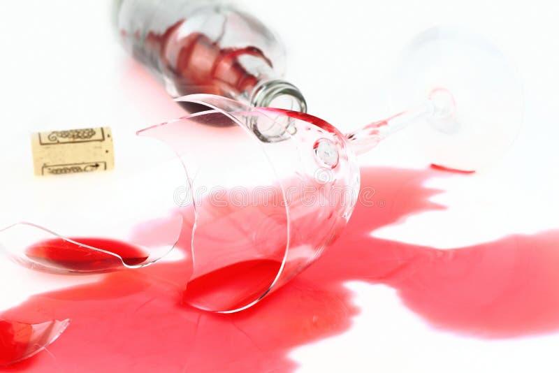 Vetro di vino rotto fotografia stock