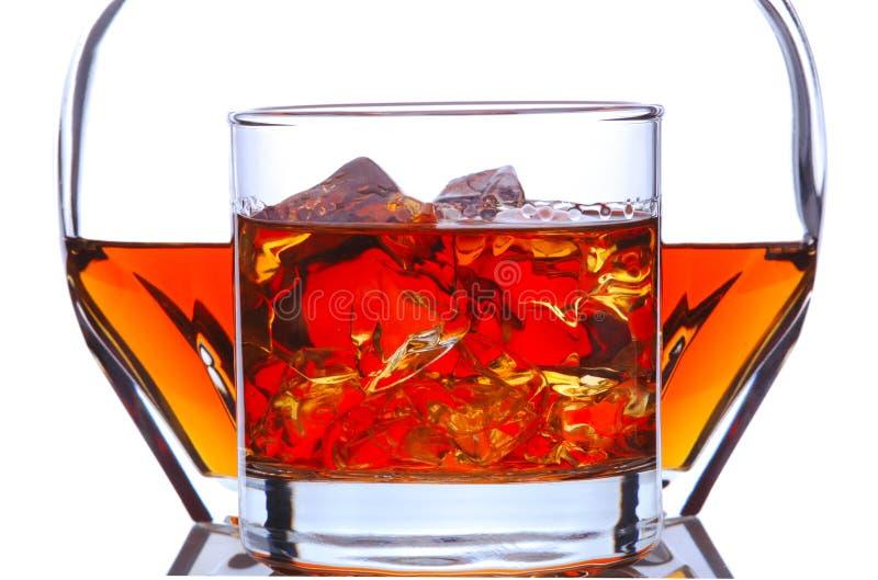Vetro e decantatore del whisky fotografia stock libera da diritti