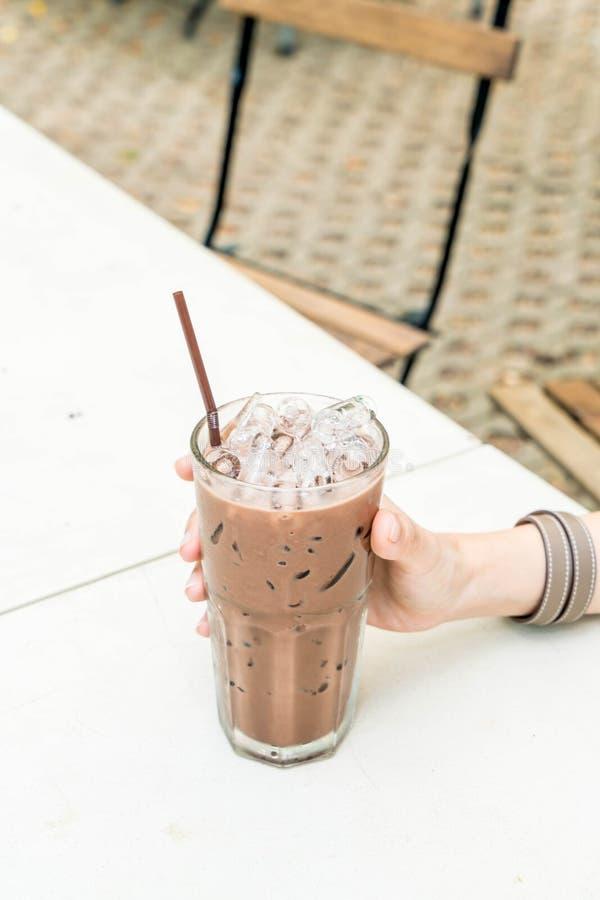 vetro ghiacciato del cioccolato fotografia stock libera da diritti