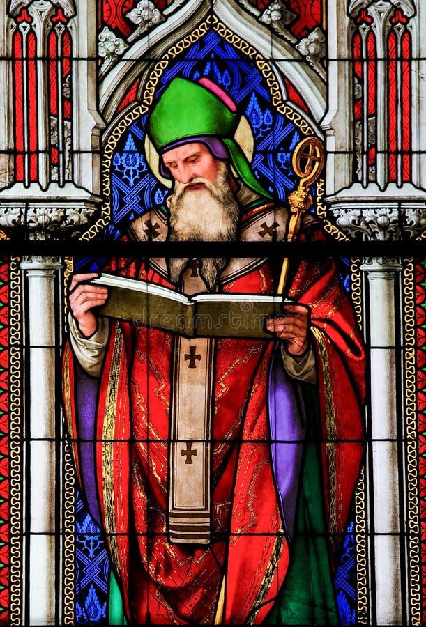 Vetro macchiato - St Ambrose immagine stock