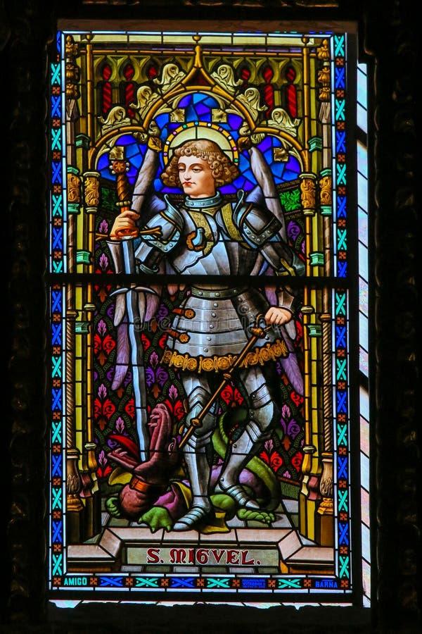 Vetro macchiato, St Michael l'arcangelo fotografia stock libera da diritti