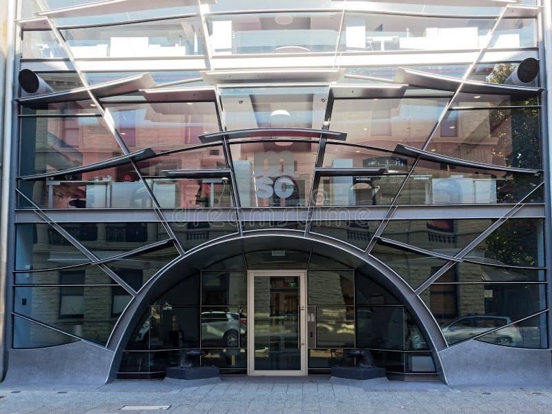 Vetro moderno ed edificio per uffici d'acciaio, Fremantle, Australia occidentale fotografia stock libera da diritti