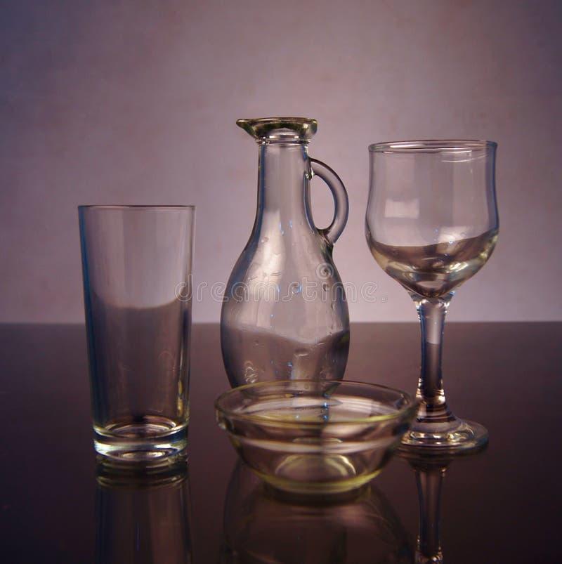 Vetro vuoto e vetro di vino immagini stock libere da diritti