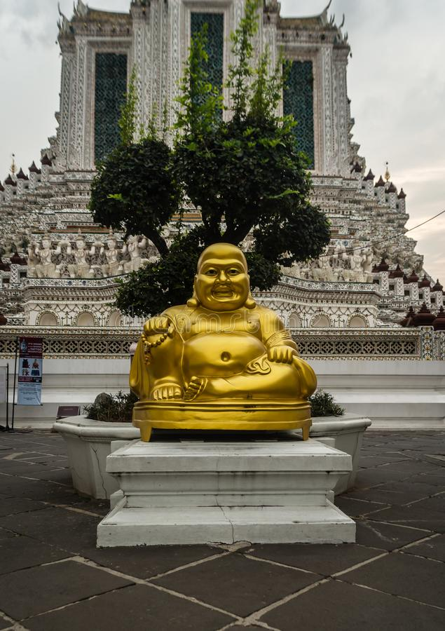 Vettige buddah in Wat Arun-tempel Bangkok royalty-vrije stock fotografie