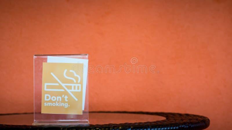 Download Vettore non fumatori immagine stock. Immagine di regola - 55356789
