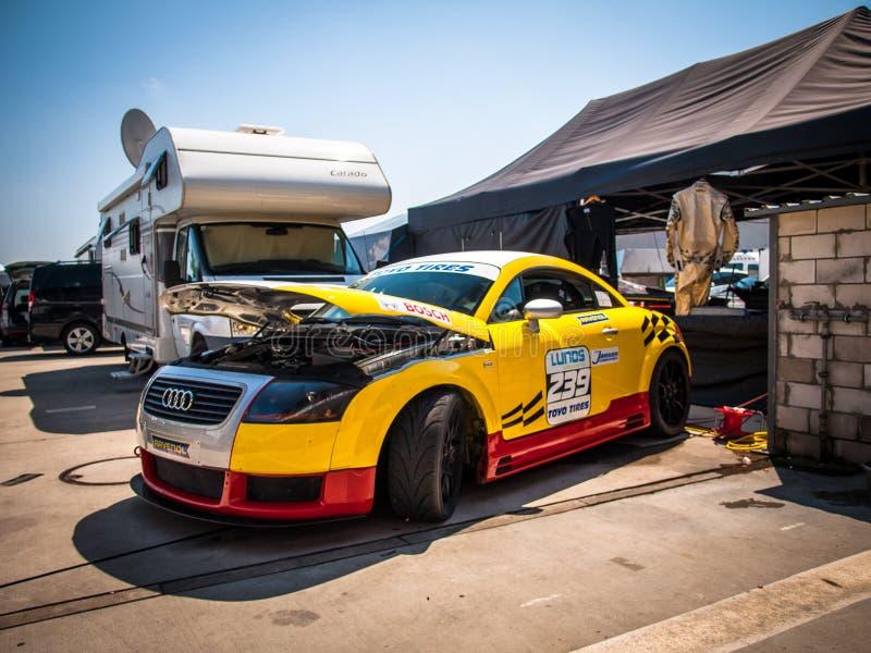 Vettura da corsa del coupé di Audi TT fotografie stock