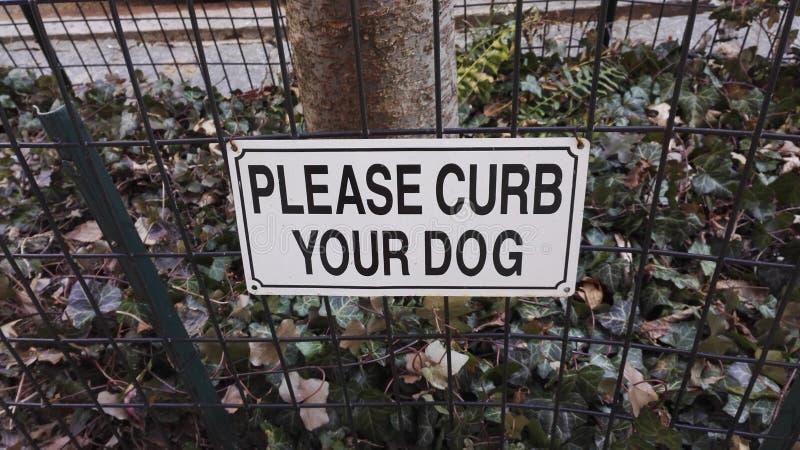Veuillez limiter votre chien, Harlem, New York, Etats-Unis image stock