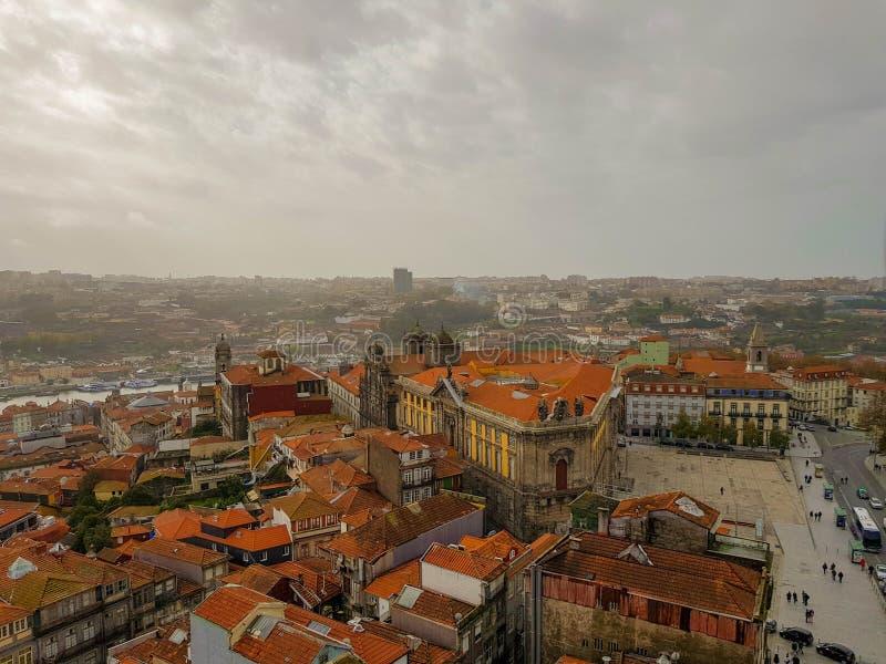Vew aérien de centre de la ville historique à Porto, Portugal images libres de droits