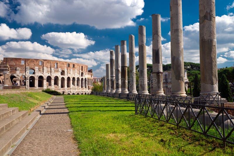 Vew av Colosseumen i Rome arkivfoton