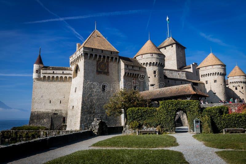 Veytaux, Suíça - NOV 01, 2014: Visão geral do Castelo de Chillon imagem de stock