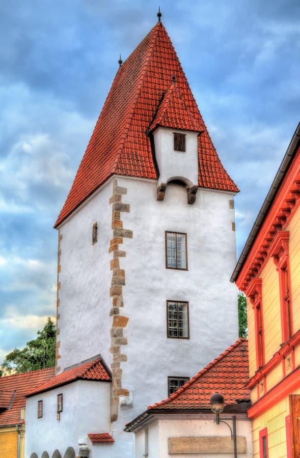 Vez di Rabenstejnska, una torre nella vecchia città di Ceske Budejovice, repubblica Ceca immagine stock libera da diritti
