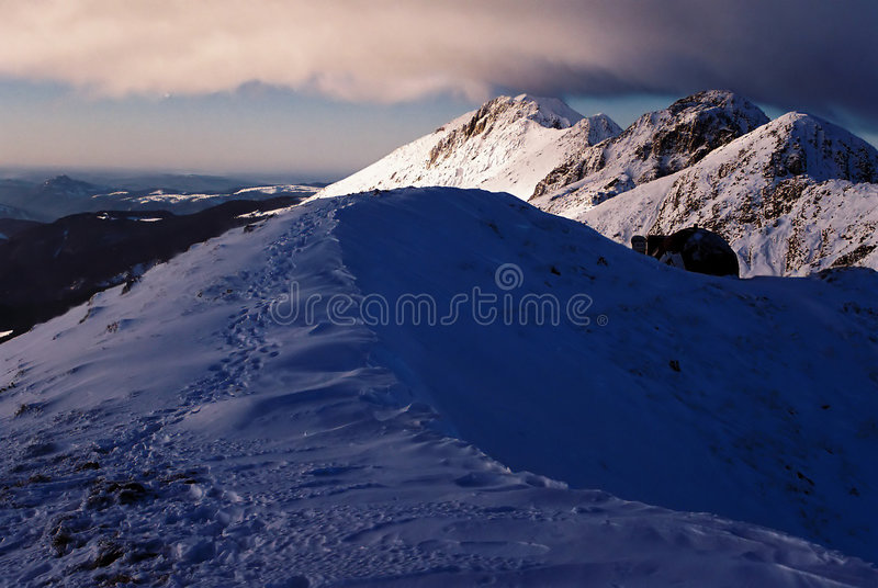 Vf. Pico de Ascutit imagen de archivo