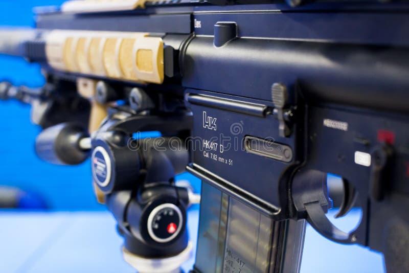 VFC-Ordeverstoorder & het Geweer van de Eliteairsoft AEG van Koch HK417 royalty-vrije stock fotografie