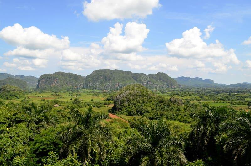 Viñales dolina od Los Jazmines punktu widzenia (pinar del rio, Kuba) fotografia stock