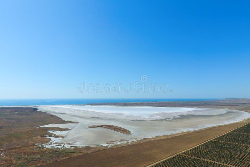 Vi?edos cerca del lago de sal Visi?n desde fotos de archivo libres de regalías
