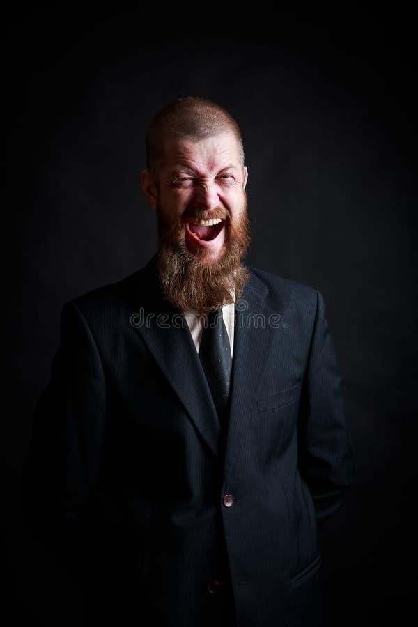 Vi odio vicino sul ritratto della foto dello studio dei denti aggressivi negativi di rappresentazione di ribaltamento triste disp fotografie stock libere da diritti