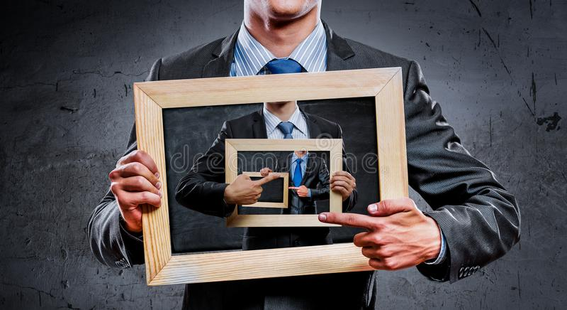 Vi undervisar dig höger affär Blandat massmedia royaltyfri bild