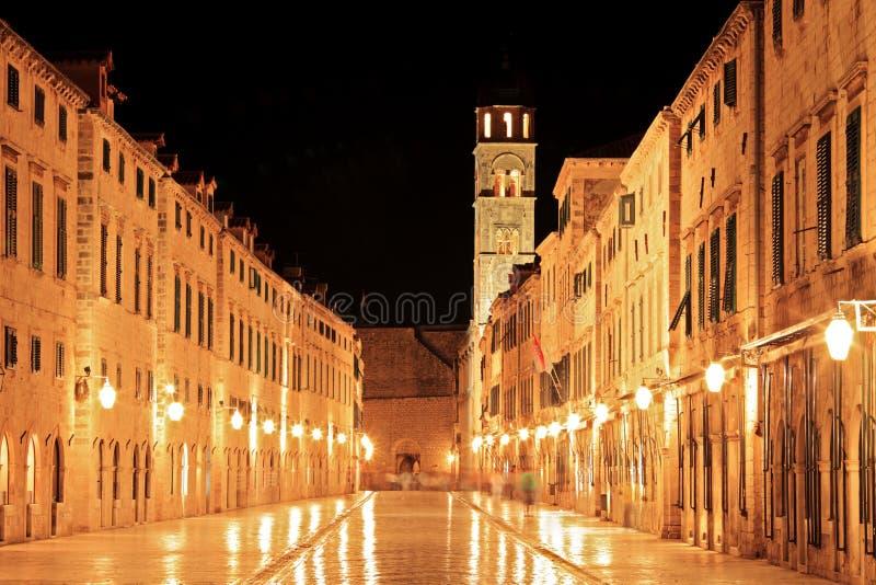 Via ambulante principale a Dubrovnik fotografia stock libera da diritti