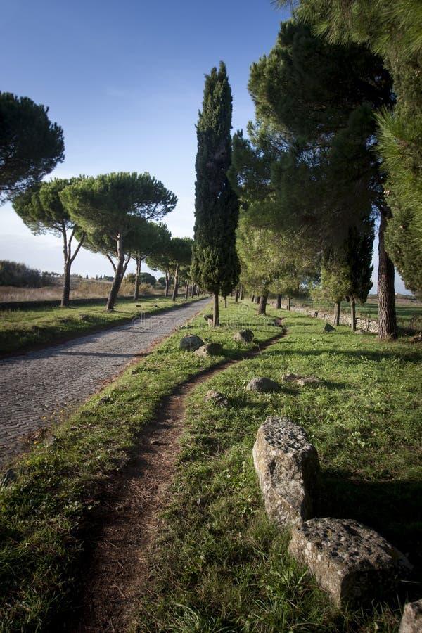 Via Appia Antica, gammalt vägbyggande av forntida Romans arkivfoton