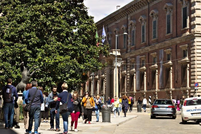 Via Brera vicino all'accademia famosa di arte La zona centrale di Milano fotografia stock libera da diritti