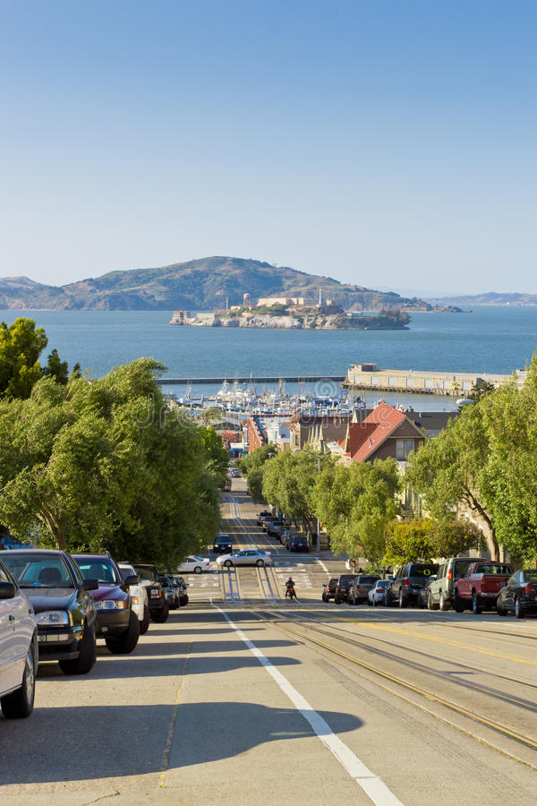 Via che trascura Alcatraz a San Francisco, U.S.A. fotografia stock