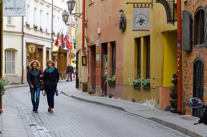 Via in Città Vecchia, Vilnius, Lituania di Stikliu fotografia stock libera da diritti