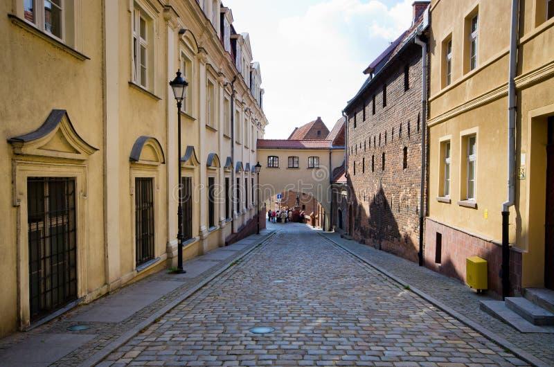 Via Cobbled in Grudziadz, Polonia fotografia stock