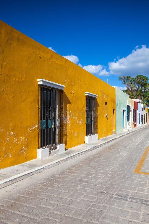 Via coloniale tipica in Campeche, Messico fotografie stock
