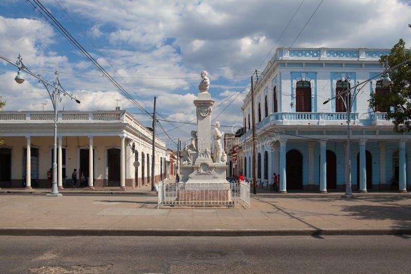 Via coloniale tipica in Cienfuegos, Cuba fotografia stock
