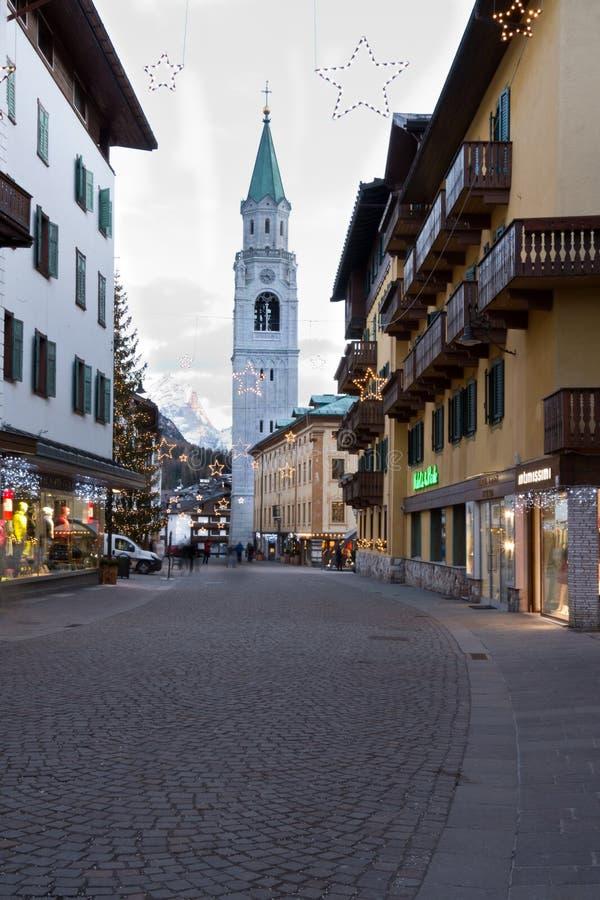 Via in Cortina d'Ampezzo, Italia fotografia stock libera da diritti