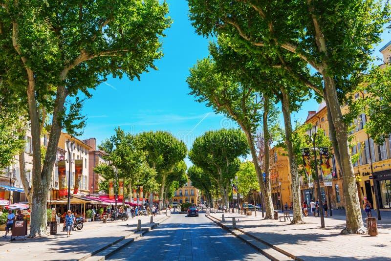 Via Cours Mirabeau a Aix-en-Provence fotografie stock libere da diritti