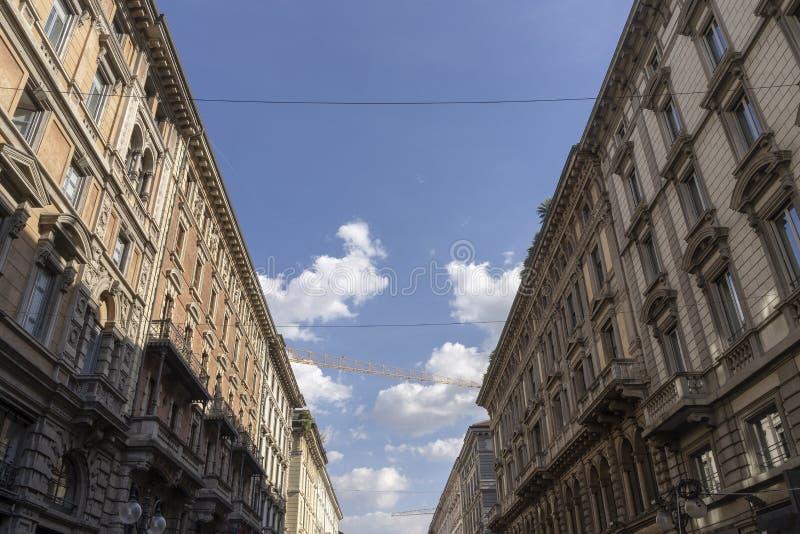 Via Dante historisk gata av Milan arkivfoto