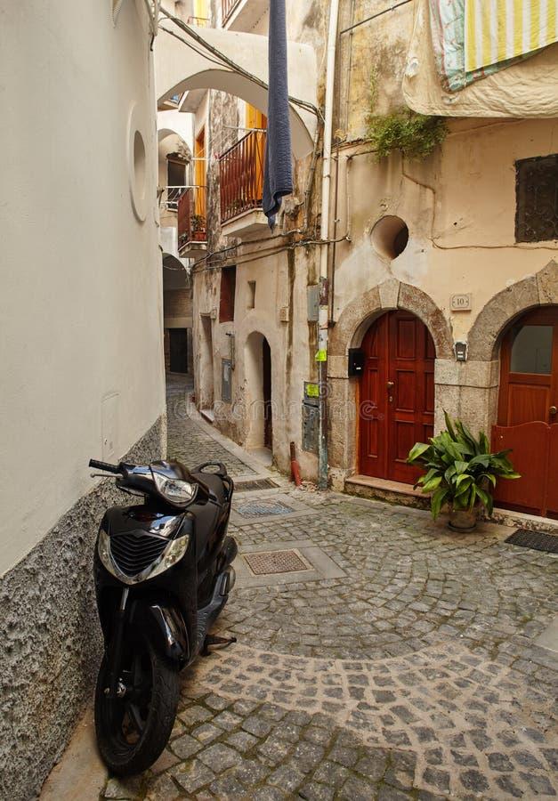 Via del Castello, Formia, Provincia di Latina, Italia immagini stock