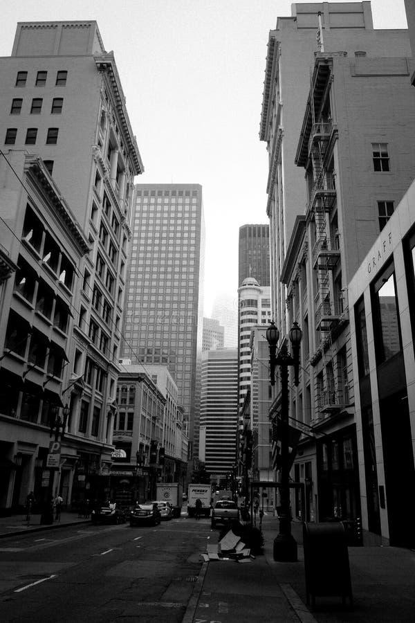 Via del centro del ` s di San Francisco, in bianco e nero, U.S.A. fotografie stock