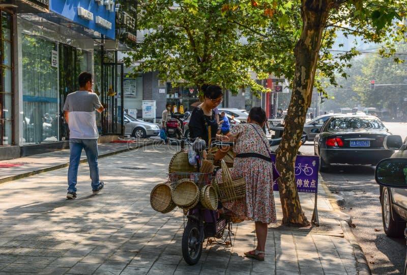 Via di Chengdu, Cina immagine stock