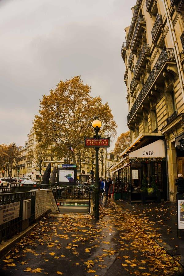 Via di Parigi fotografie stock libere da diritti