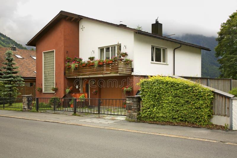 Via e casa a Engelberg switzerland fotografia stock