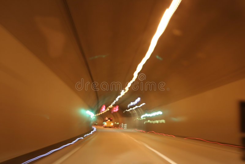 Via expressa do túnel fotografia de stock
