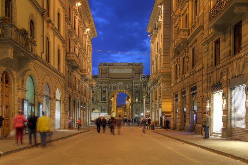 Via a Firenze, Italia fotografia stock