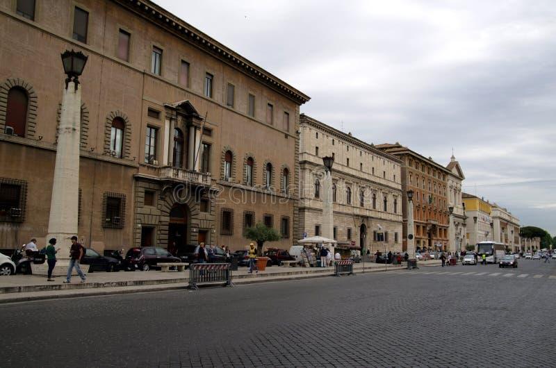 Via il viale di Conciliazione di della nel Vaticano immagini stock