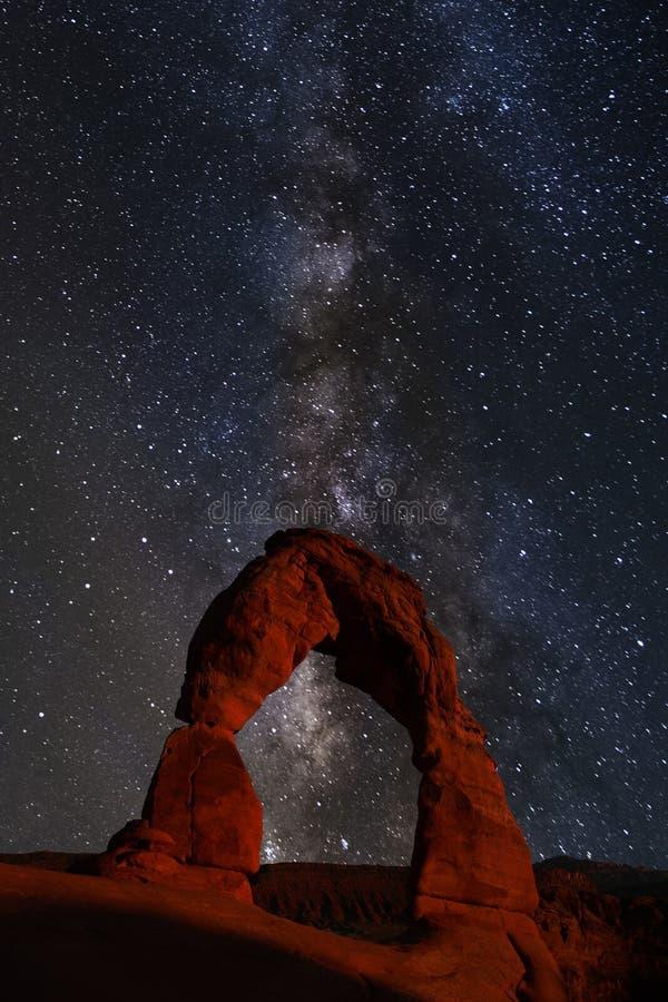 Via Látea do verão sobre o parque nacional dos arcos foto de stock royalty free