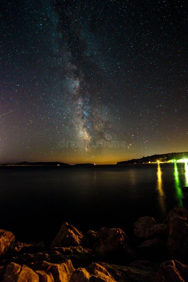 Via Látea no céu da Croácia foto de stock